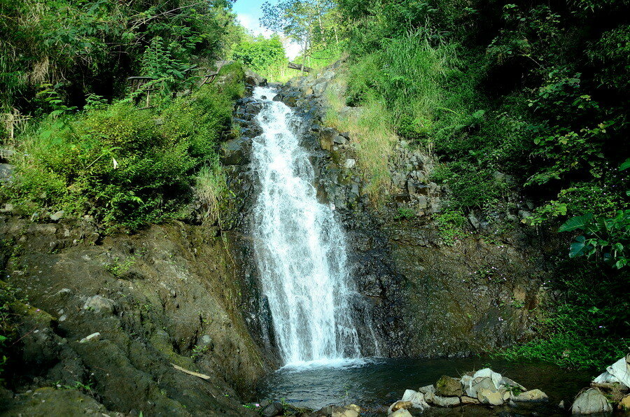 Водопад Озеро Саранган (danau sarangan) рядом с вулканом Лаву на Восточной Яве Озеро Саранган (Danau Sarangan) рядом с вулканом Лаву на Восточной Яве 0 1b11de 34f6ac76 XXL