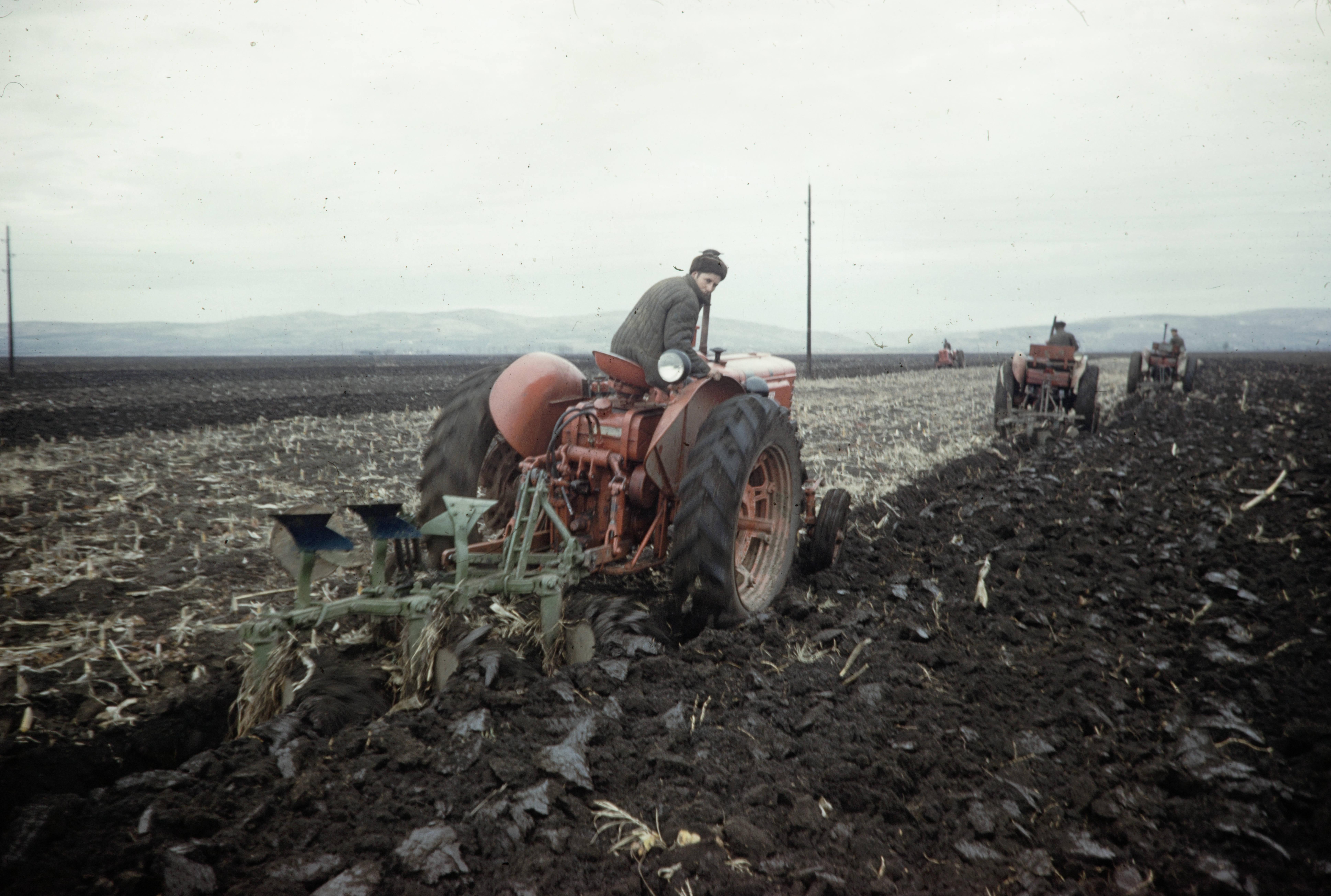 Колхозный трактор