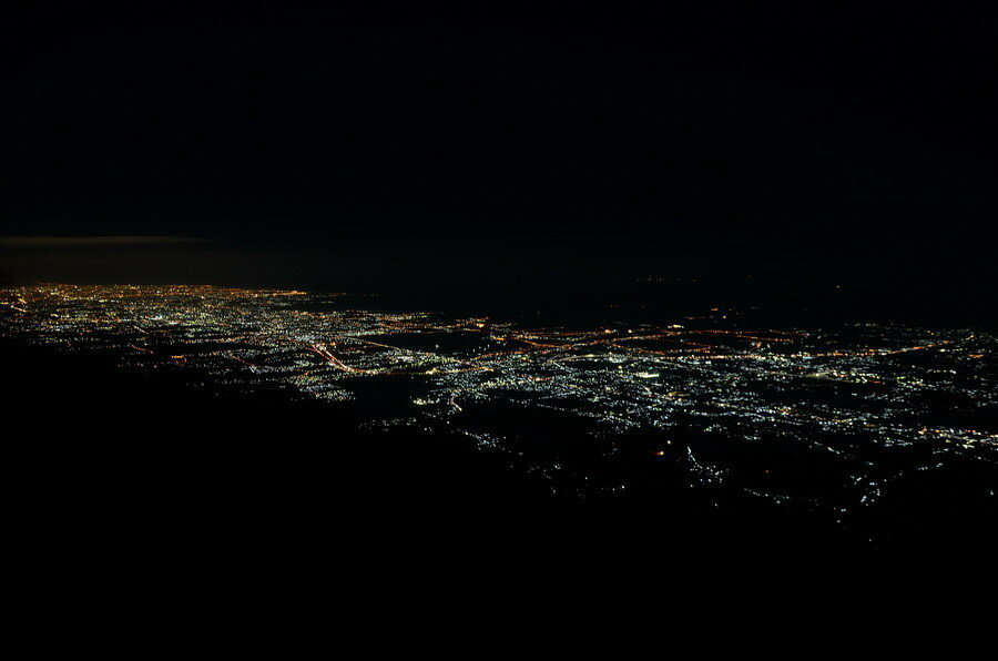 Ночная Сурабая вид с горы