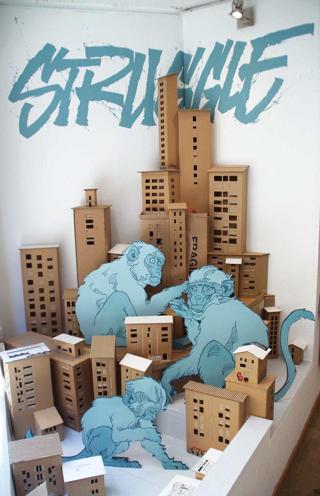 Royaumes de Papier – Enter the world of Tank and Popek