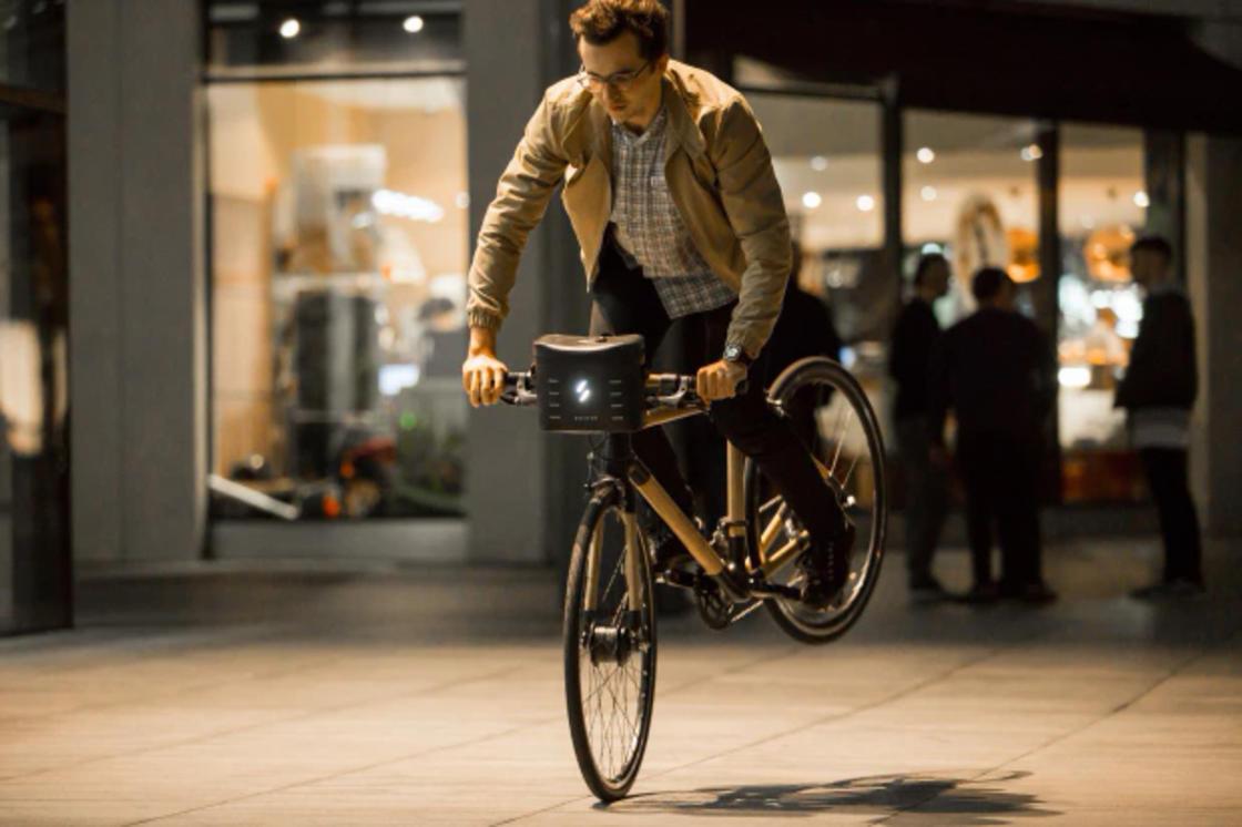Swytch – This gadget transforms any bike into an electric bike
