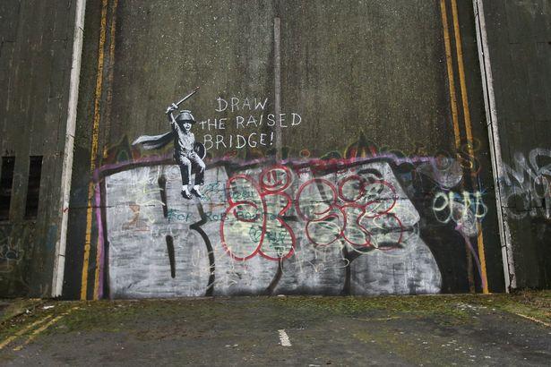 Streets: Banksy (UK) (4 pics)
