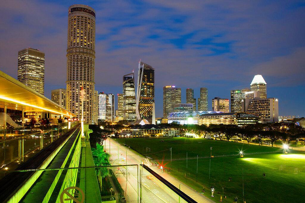 Вечерний Сингапур. Небоскребы.
