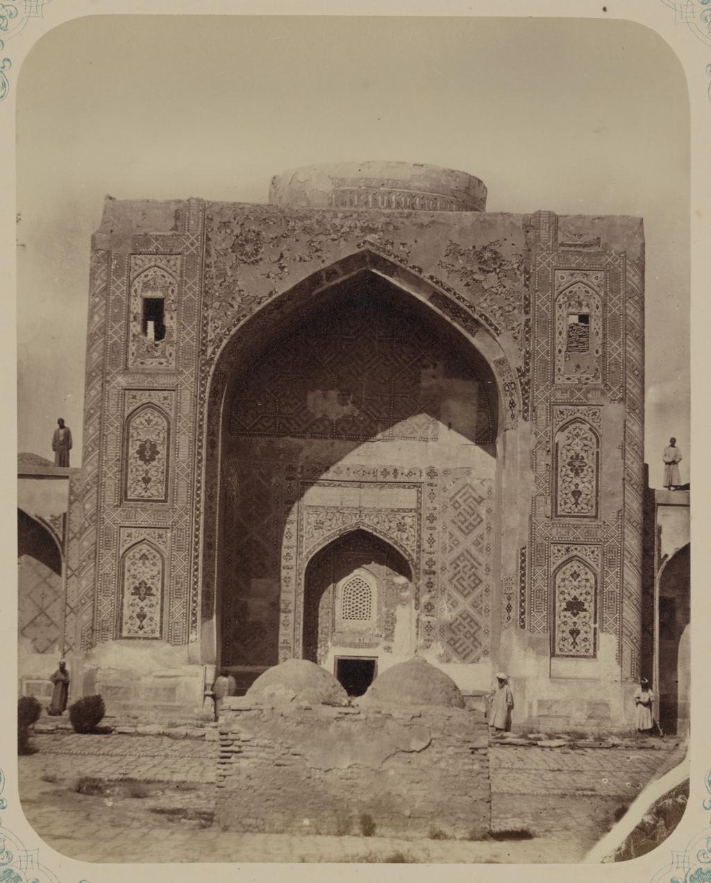 Медресе Надир Диван-Беги, соборная мечеть (мечеть джами). Вход в мечеть