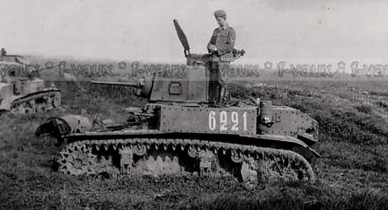 """Подбитый советский танк М3л """"Стюарт"""" из состава 23 ТК. 1942 г."""