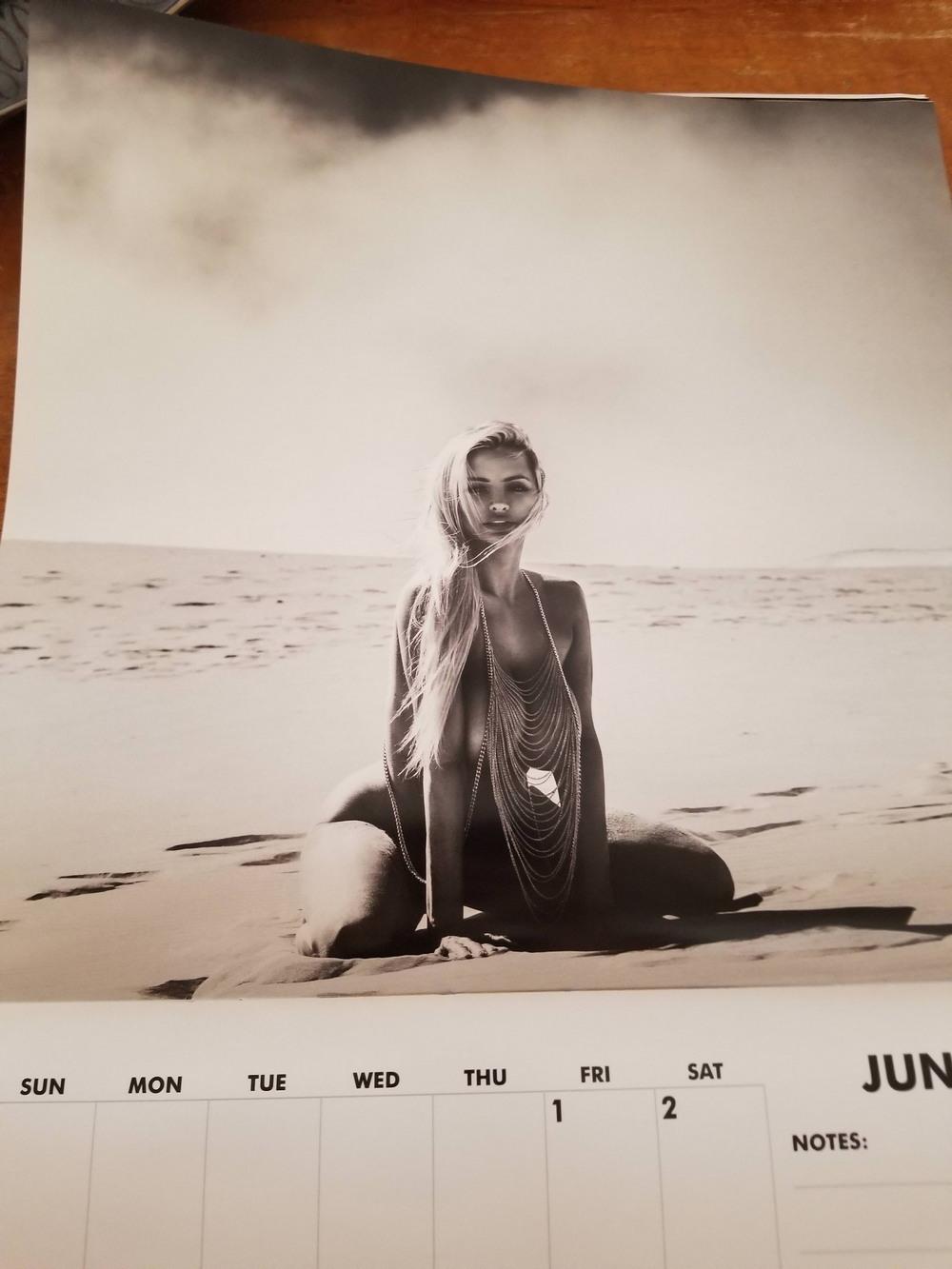 Линдси Пелас снялась для календаря