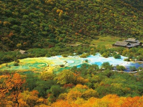 Живописная долина Хуанлун