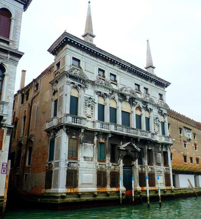 palazzo_belloni_battaglia_b.jpg