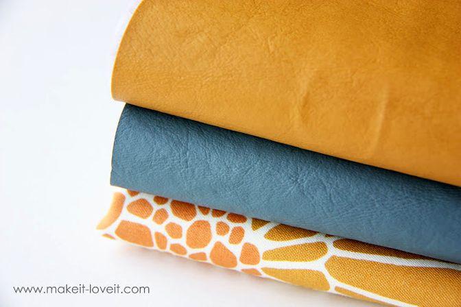 Клатч или небольшая сумочка из искуственной кожи