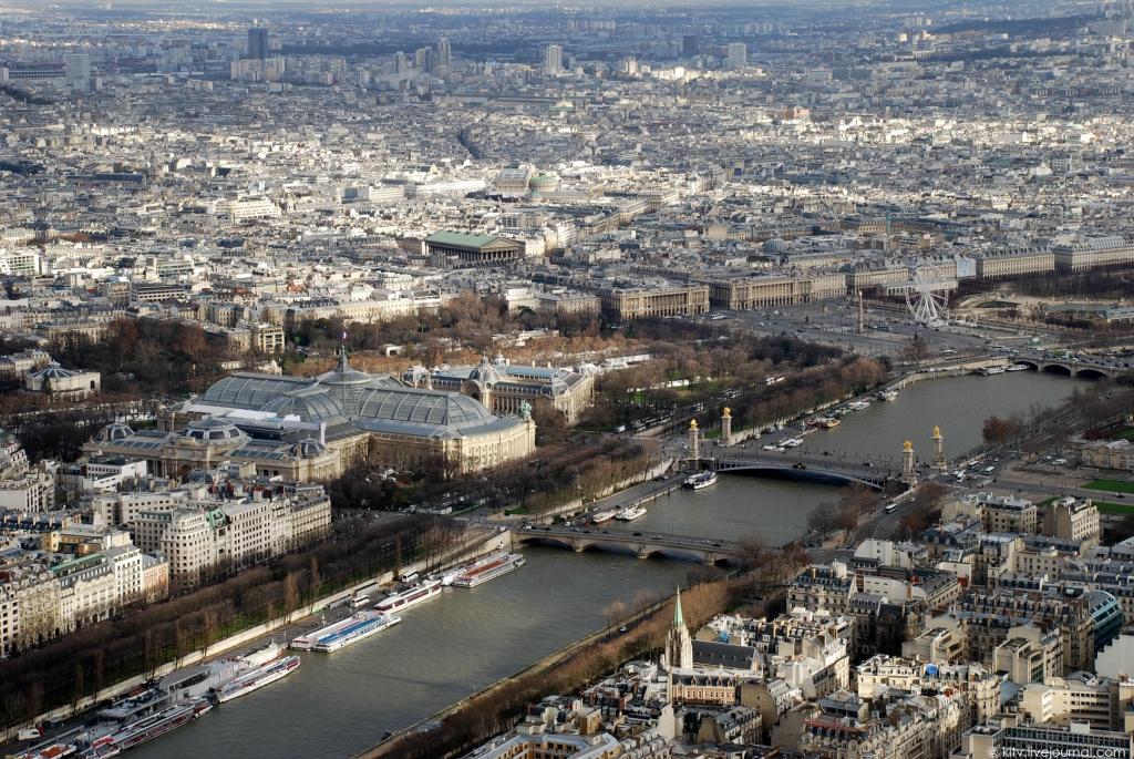 18. Северо-восток. Le Grand Palais, Большой дворец — крупный культурно-выставочный центр, построенны