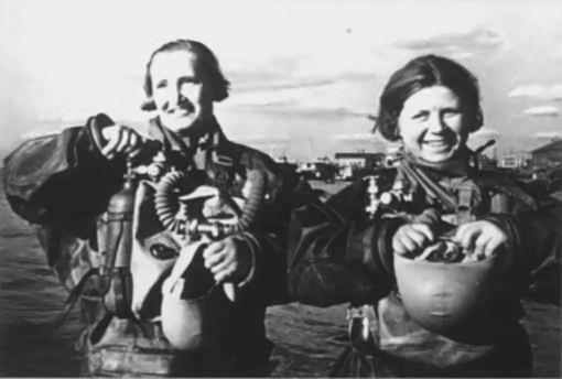 39-Девушки-легководолазы, участвовавшие в битве за Сталинград.jpg
