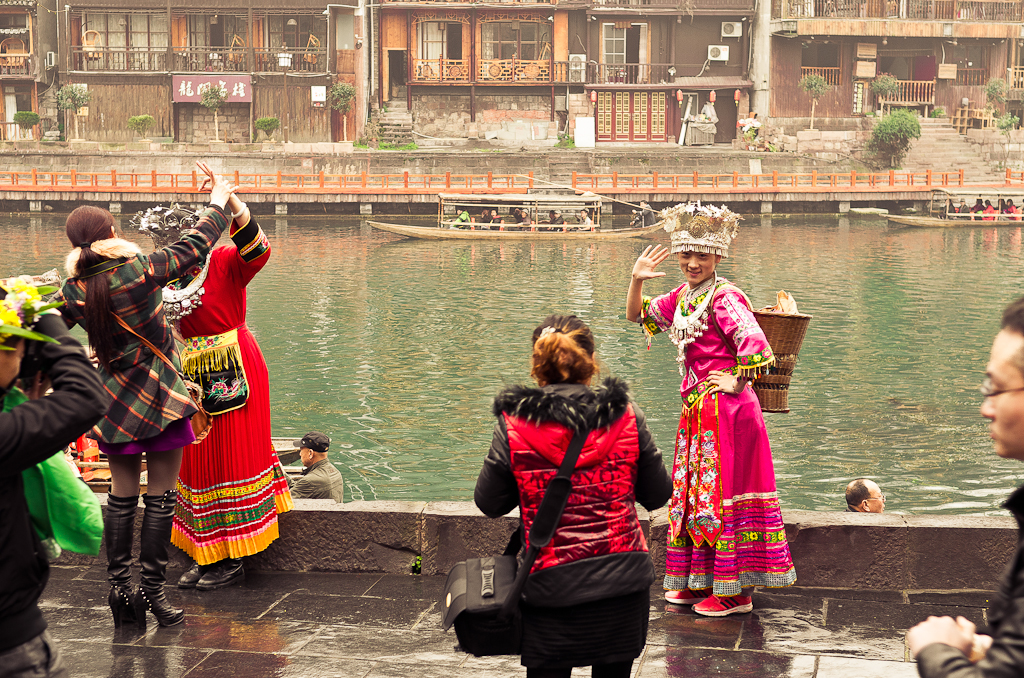 15. Массовые фотосессии в городе Фэнхуан. Путешествие по Китаю самостоятельно.