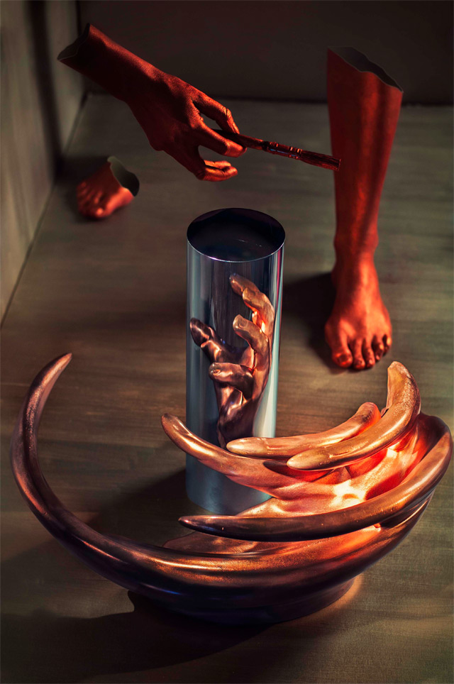 Anamorphic Sculptures and Illusions – Jonty Hurwitz (9 pics)