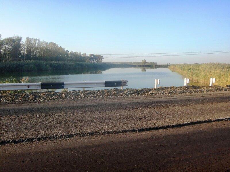 Там, где протекает река Албаши ... 15. Фото из велокольца. Ахтари-Староминская-Бейсугский пролив (99).JPG