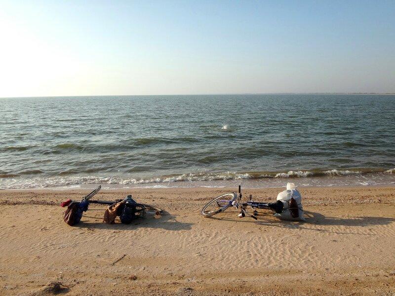 ... И нужно снова искупаться!  ... 40. Фото из велокольца. Ахтари-Староминская-Бейсугский пролив (235).JPG