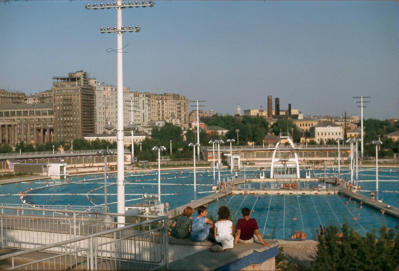 Большой открытый бассейн «Москва»