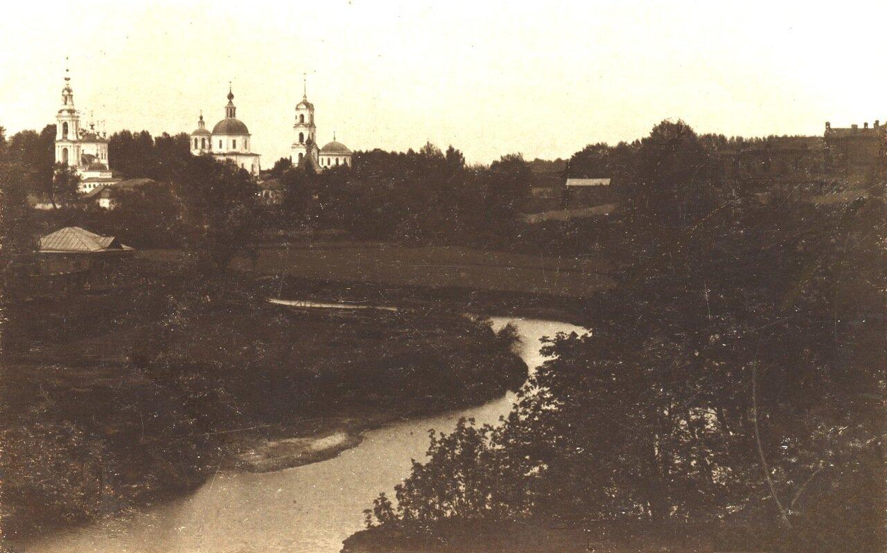 Введенская церковь и Клобуков монастырь с перешейка Кашинки