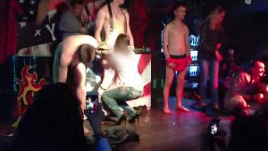 Видео минеты в клубах