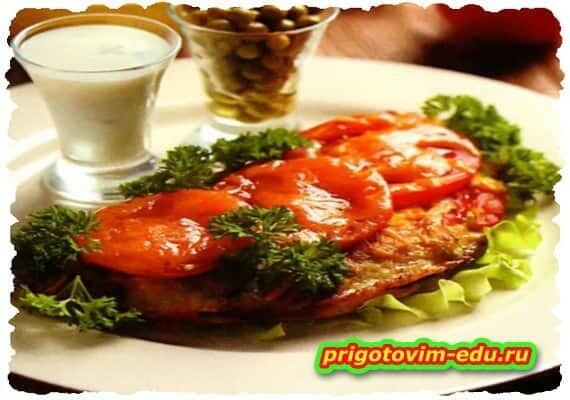 Французский омлет с сыром и помидорами