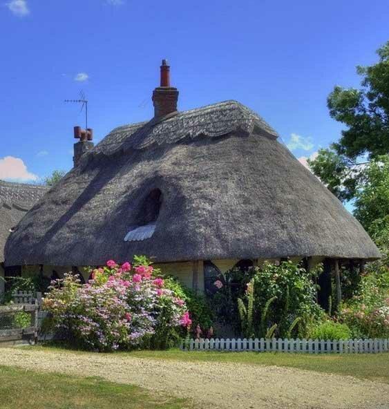 Дома с соломенными крышами
