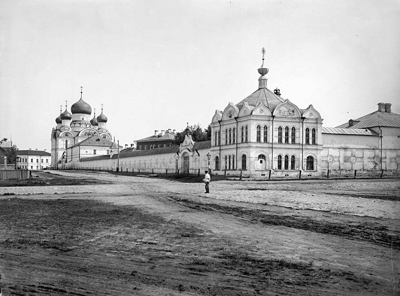Богоявленский монастырь.