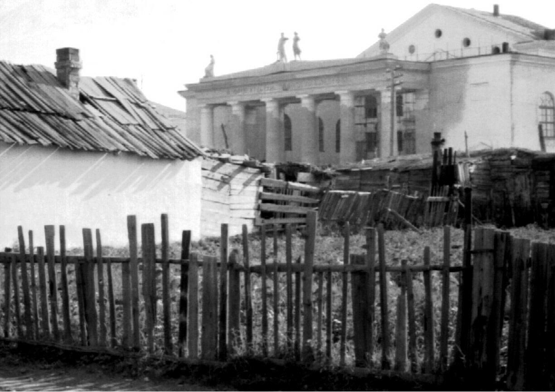 1957. Строится Дворец Культуры