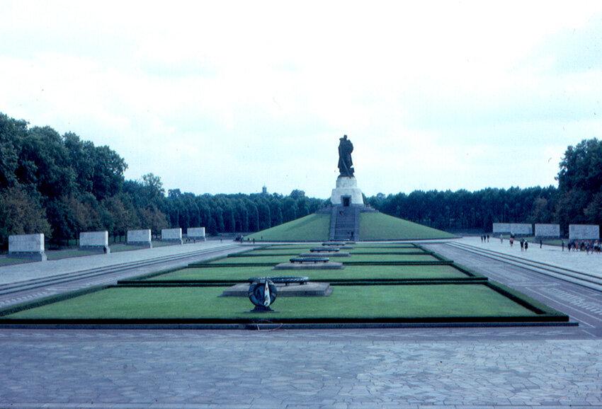 1963. Восточный Берлин - Трептов-парк