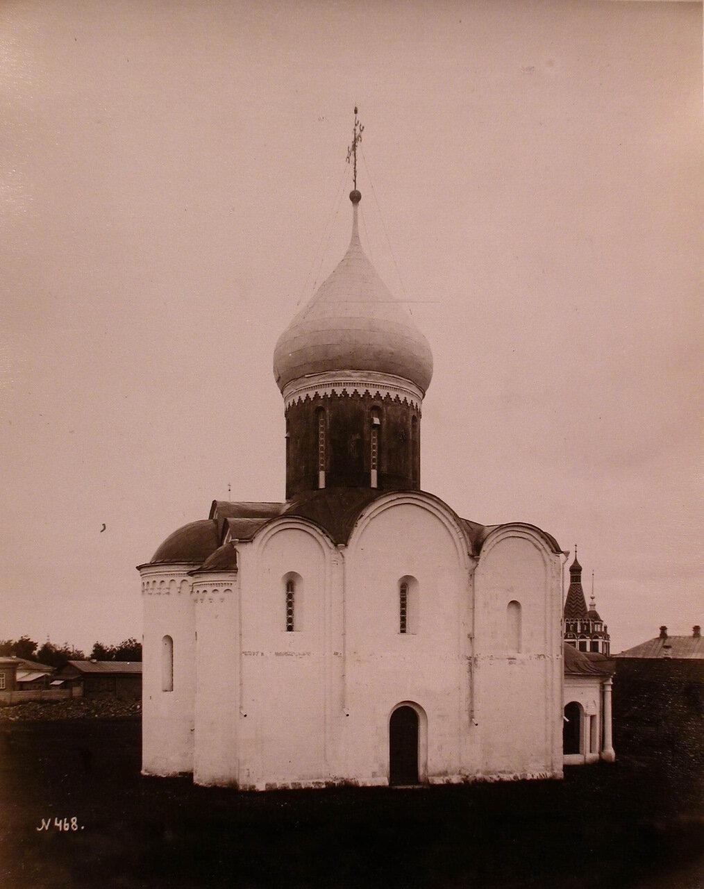 Вид северо-восточного фасада собора Спаса Преображения (закладка - в 1152 г.,завершение постройки - в 1257 г.)