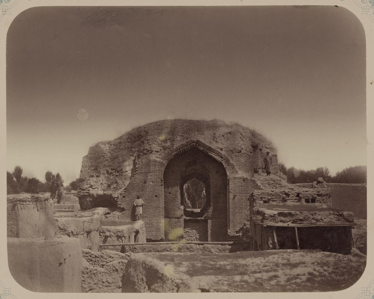 Мавзолей Ак-Сарай. Общий вид