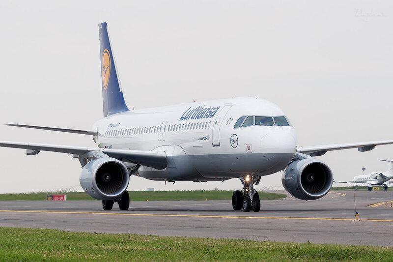 Airbus A320-214 (D-AIZF) Lufthansa DSC2096