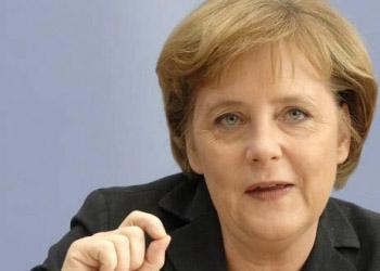 Меркель поддерживает кандидатуру Юнкера на пост главы Еврокомиссии