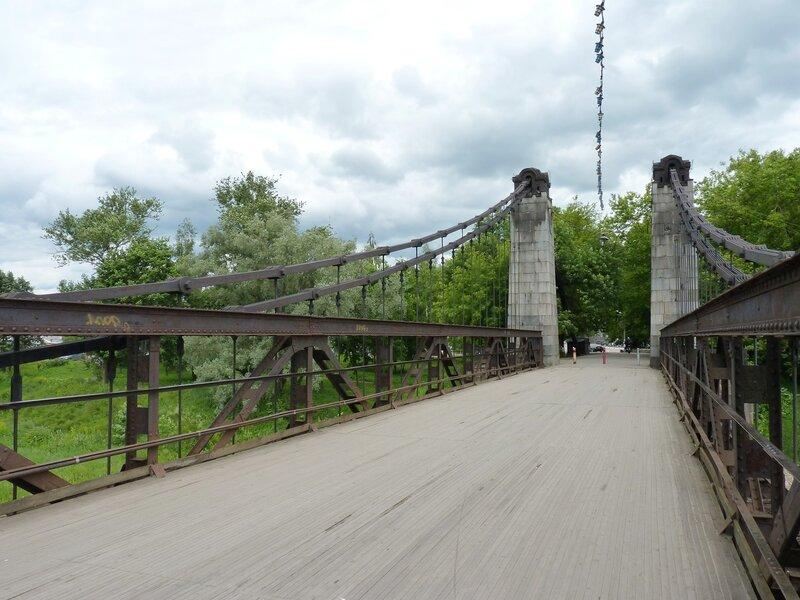 Цепные мосты в Острове