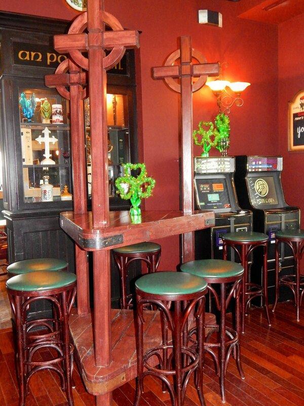 Erin's Snug. Irish Pub.