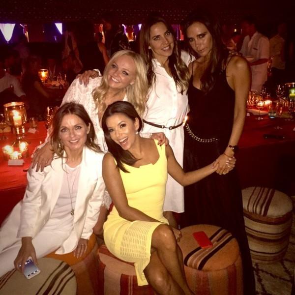 Spice Girls и Ева Лонгория поздравили Бекхэма с днем рождения