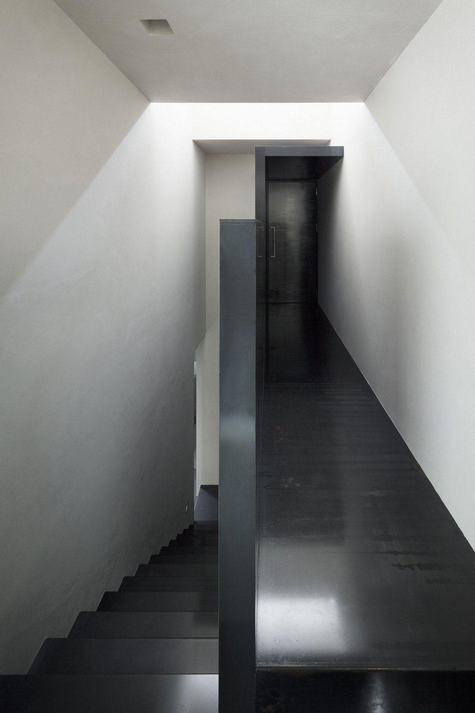 Мрачный частный дом в Японии