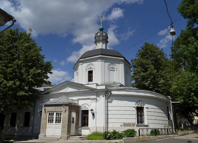Апсида церкви Покрова Пресвятой Богородицы на Лыщиковой горе.