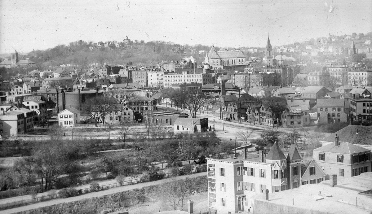 1914. Вашингтон стрит в районе Бостон Лайн