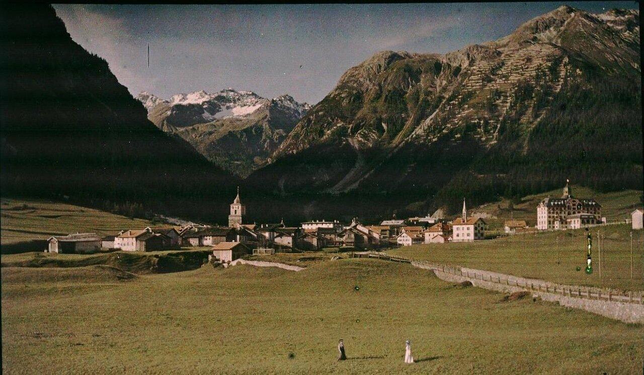 Горная деревня в долине