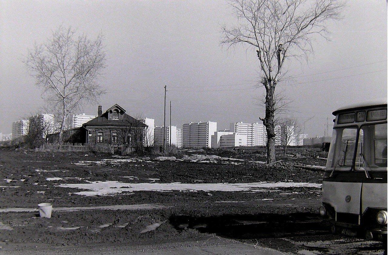 1980. Деревня Никулино, на заднем плане Олимпийская деревня