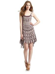 Ах, какое оперенье, хвост - ажурное плетенье -платье крючком