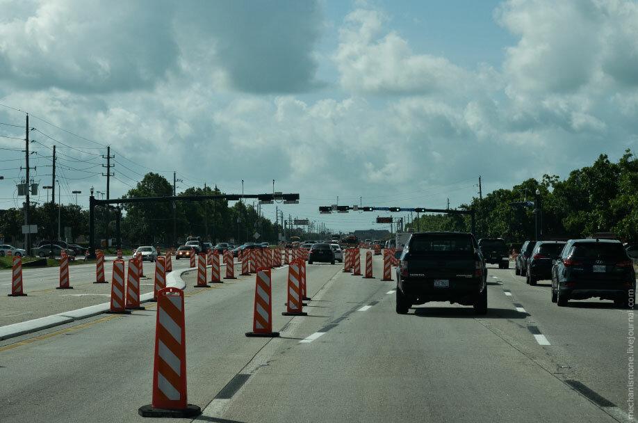перекрытие  для строительства дороги в США