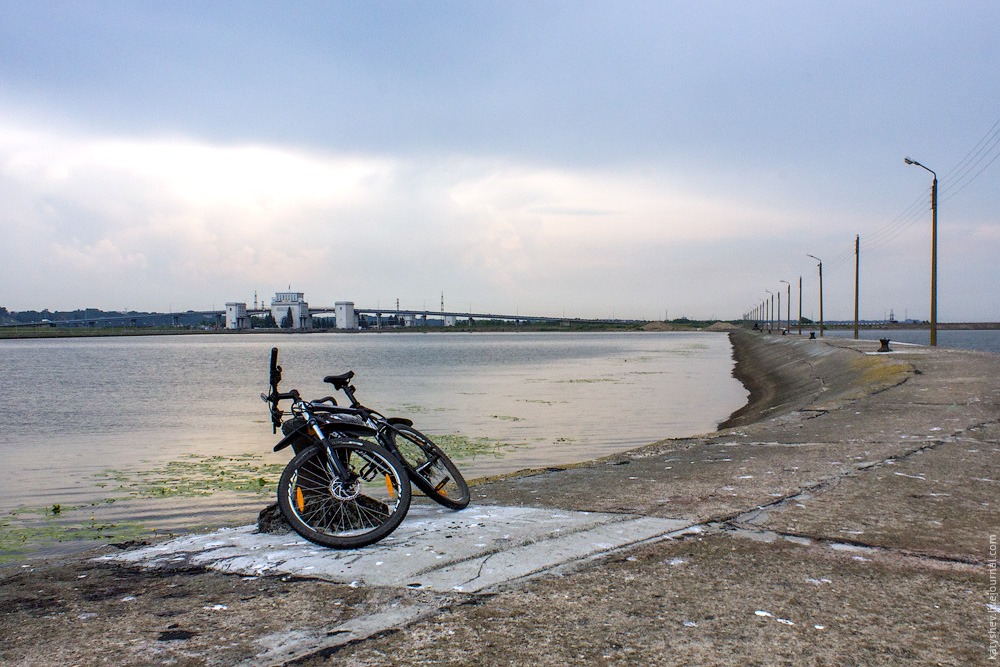 велопарковка на дамбе