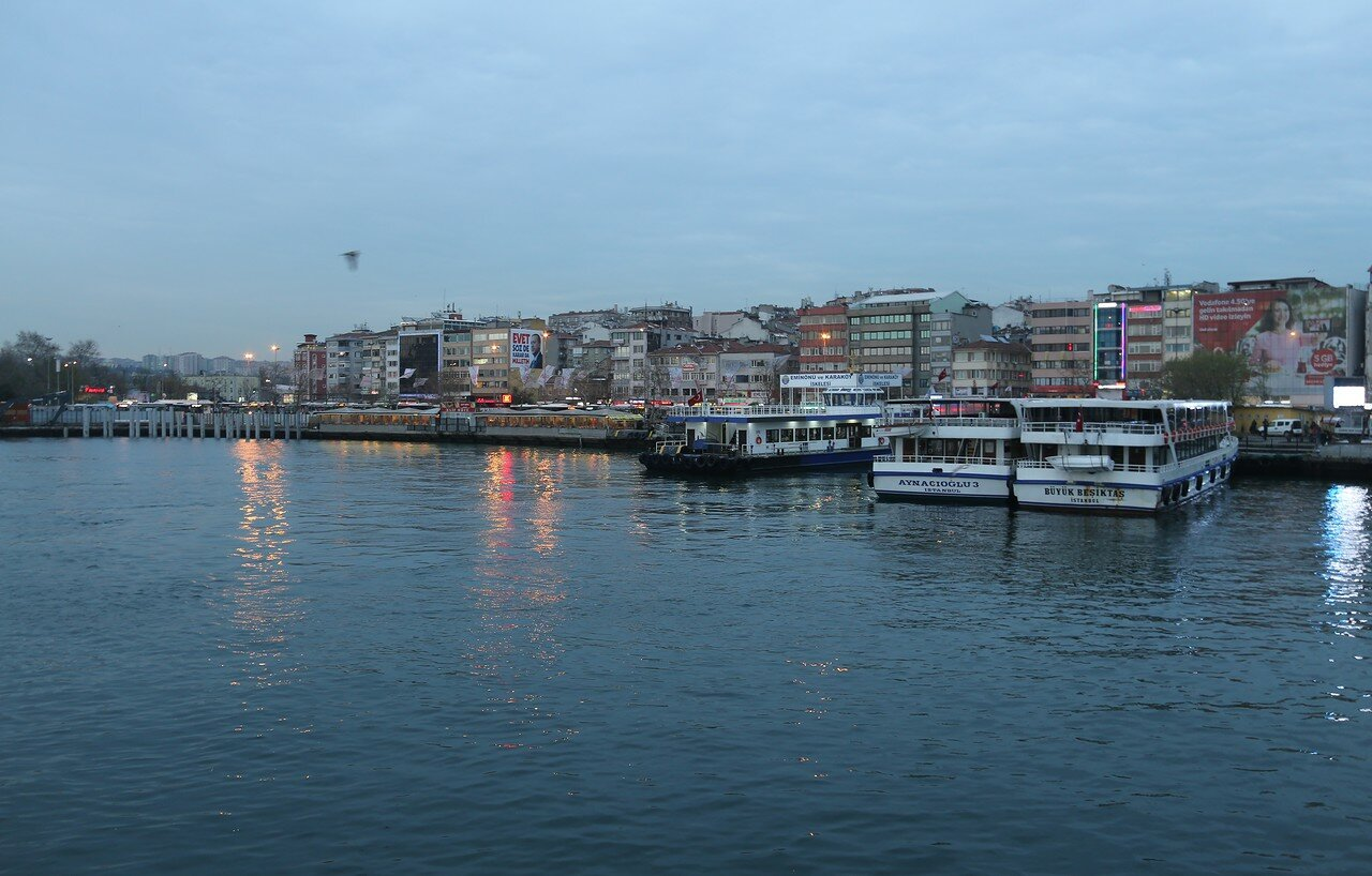 Вечерний Стамбул с борта парома Кадыкёй-Эмиёню