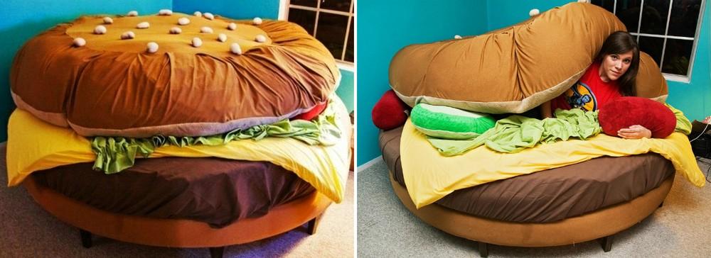 1. Кровать-гамбургер Очень реалистичное исполнение, и все благодаря мелочам: подушки имитируют солен