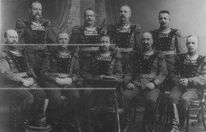 Генерал-майор И.П.Демидов - командир бригады - с командирами дивизионов и батарей.