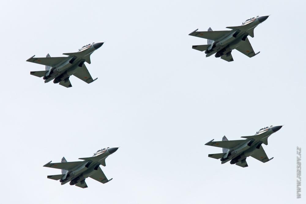 Su-30SM_group_3_TDK.JPG