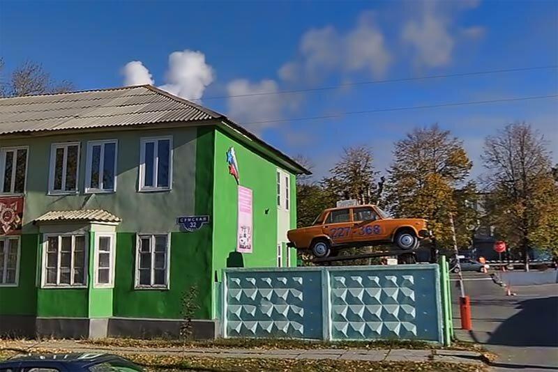 Рекламный Жигуль на Сумской