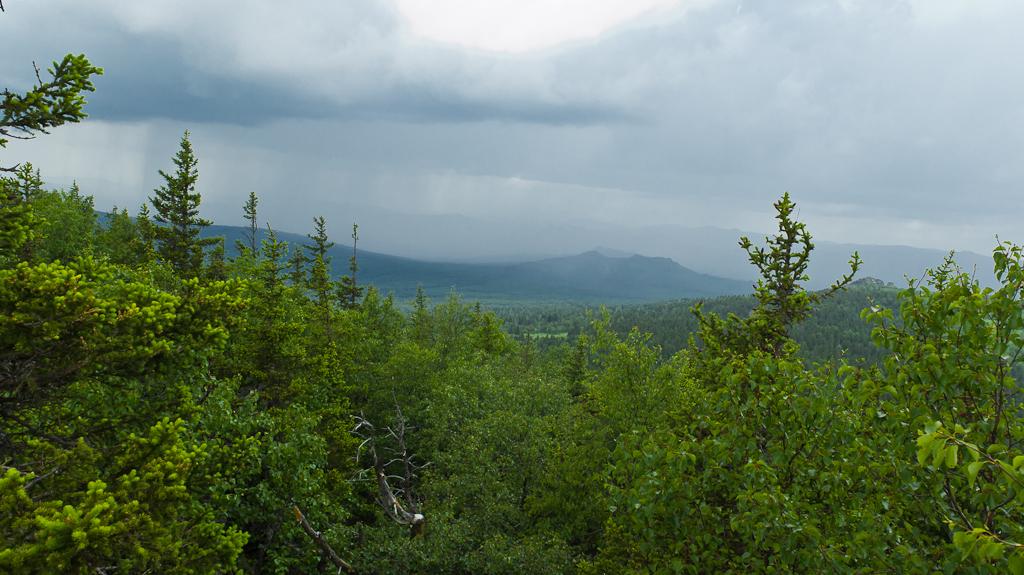 9. Чёрное небо в башкирских горах. Вид с вершины Ялангас