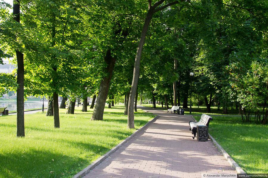 Дорожка в Екатерининском парке