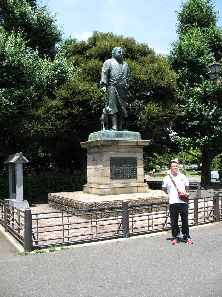 Памятник Сайго Такамори в парке Уэно